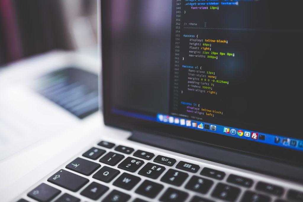 ordenador_código_programacion